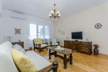 Podstrana, Гостиная в размещении типа apartment, доступный кондиционер и WiFi.
