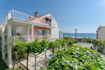 Podstrana, Split, Объект 11627 - Апартаменты вблизи моря с галечным пляжем.