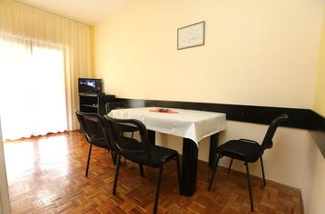 Vodice, Dining room in the apartment, WiFi.