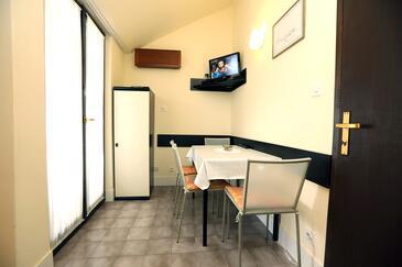 Vodice, Столовая в размещении типа apartment, Домашние животные допускаются и WiFi.