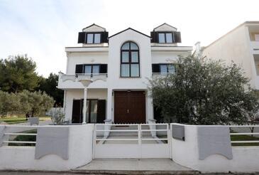 Vodice, Vodice, Объект 11628 - Апартаменты с галечным пляжем.