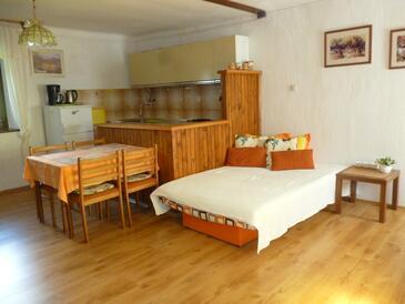 Sinožići, Obývací pokoj v ubytování typu house.