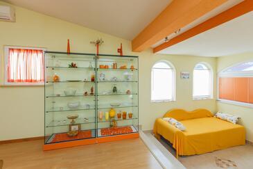 Kaštel Stari, Obývací pokoj v ubytování typu apartment, dopusteni kucni ljubimci i WIFI.