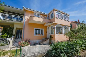 Kaštel Stari, Kaštela, Property 11641 - Apartments near sea with pebble beach.