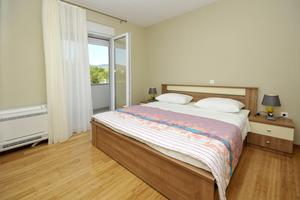 Apartments with a parking space Plano (Trogir) - 11649