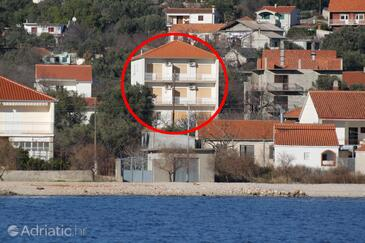 Vinišće, Trogir, Property 1165 - Apartments with pebble beach.