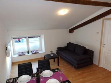 Mučići, Living room in the apartment, dopusteni kucni ljubimci i WIFI.