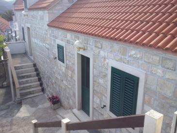Sumartin, Brač, Property 11658 - Apartments near sea with pebble beach.