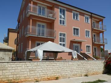 Đuba, Umag, Property 11669 - Apartments with rocky beach.