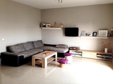 Kaštel Lukšić, Living room in the apartment, dostupna klima, dopusteni kucni ljubimci i WIFI.