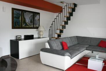 Ostrvica, Living room in the apartment, dopusteni kucni ljubimci i WIFI.