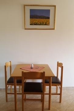 Starigrad, Dining room in the apartment, dostupna klima i WIFI.