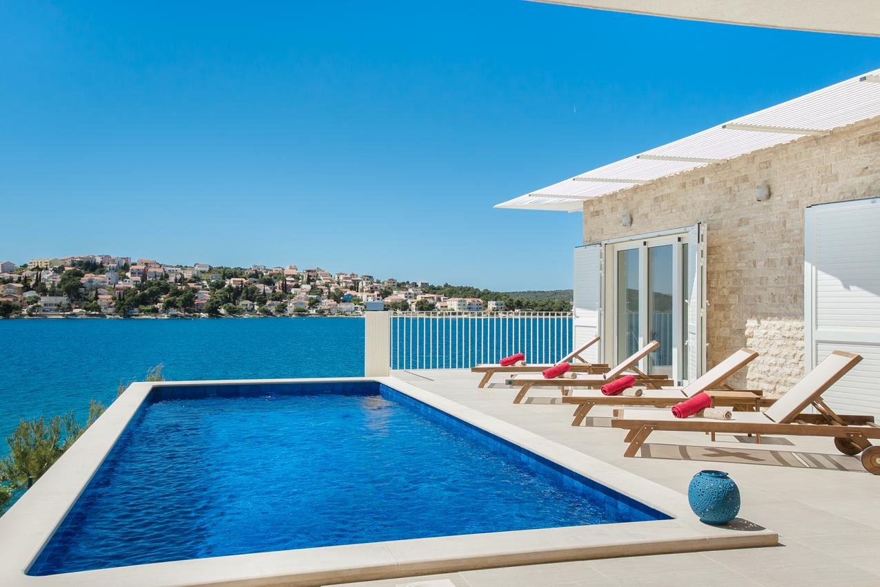 Luxusní vila s bazénem v Chorvatsku