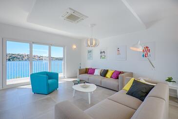 Zatoglav, Living room in the house, dostupna klima i WIFI.
