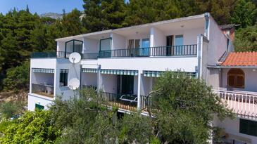 Brela, Makarska, Property 11687 - Apartments with pebble beach.