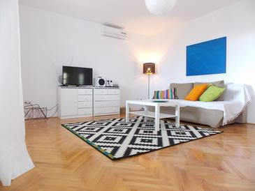 Seget Vranjica, Living room in the house, dostupna klima, dopusteni kucni ljubimci i WIFI.