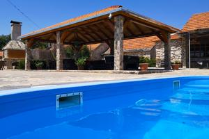 Holiday house with a swimming pool Gornje Planjane, Zagora - 11701