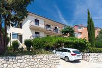 Apartments with a parking space Novi Vinodolski - 11702