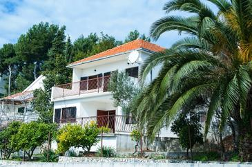 Rastići, Čiovo, Property 11706 - Vacation Rentals by the sea.