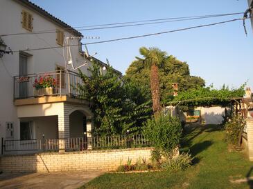Galižana, Fažana, Property 11712 - Apartments with pebble beach.