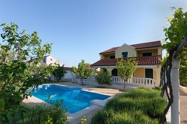 Lozovac, Krka, Property 11715 - Vacation Rentals with pebble beach.