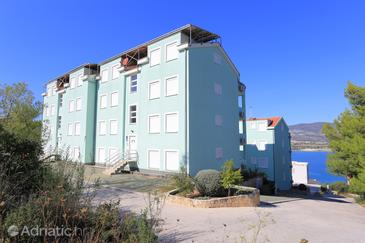 Mastrinka, Čiovo, Obiekt 11717 - Apartamenty ze żwirową plażą.