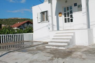 Poljica, Trogir, Property 11721 - Apartments near sea with pebble beach.