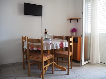 Rastići, Dining room in the apartment, air condition available and WiFi.
