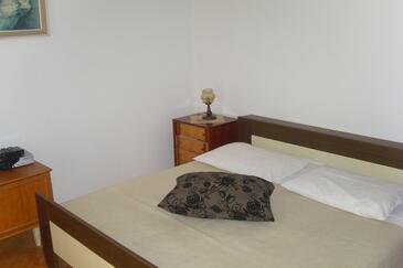 Zadar - Diklo, Bedroom in the studio-apartment, WIFI.
