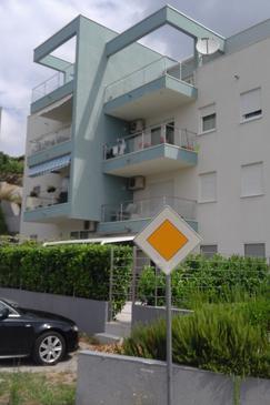 Podstrana, Split, Property 11727 - Apartments with pebble beach.