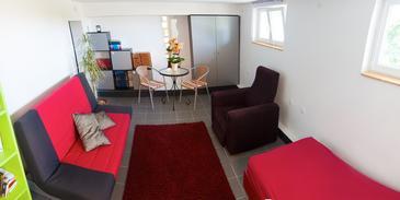 Zadar - Diklo, Living room in the studio-apartment, dopusteni kucni ljubimci i WIFI.