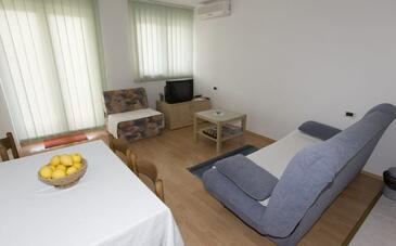 Brela, Living room in the apartment, dostupna klima, dopusteni kucni ljubimci i WIFI.