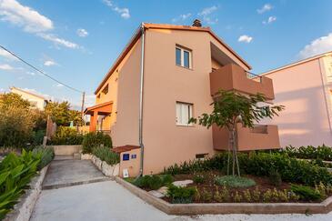 Seget Vranjica, Trogir, Property 11734 - Apartments with pebble beach.