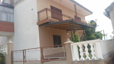 Sapina Doca, Rogoznica, Property 11739 - Apartments with pebble beach.