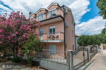 Podaca, Makarska, Property 11748 - Apartments with pebble beach.