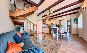 Široka, Obývací pokoj v ubytování typu house, dostupna klima, dopusteni kucni ljubimci i WIFI.