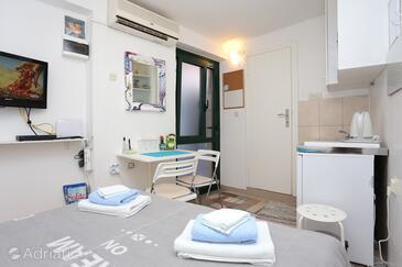 Split, Dining room in the room, dostupna klima i WIFI.