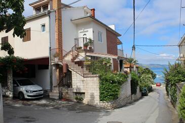 Trogir, Trogir, Property 11760 - Apartments near sea with pebble beach.