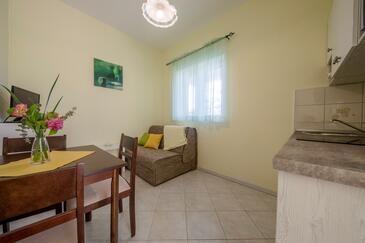 Supetarska Draga - Donja, Esszimmer in folgender Unterkunftsart apartment, Haustiere erlaubt und WiFi.