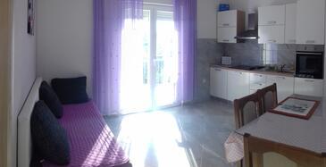 Kaštel Štafilić, Jedáleň v ubytovacej jednotke apartment, dostupna klima, dopusteni kucni ljubimci i WIFI.