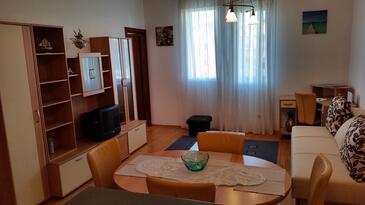 Split, Living room in the apartment, dostupna klima, dopusteni kucni ljubimci i WIFI.
