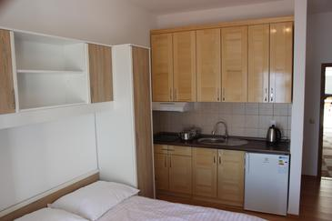 Zavode, Kitchen in the studio-apartment, WIFI.