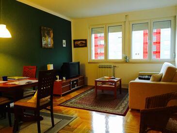 Zadar, Living room in the apartment, dostupna klima.
