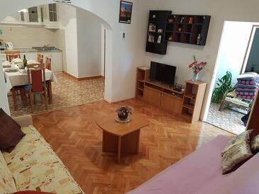 Zadar, Obývací pokoj v ubytování typu house, s klimatizací a WiFi.