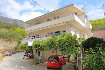 Sumpetar, Omiš, Объект 11798 - Апартаменты с галечным пляжем.