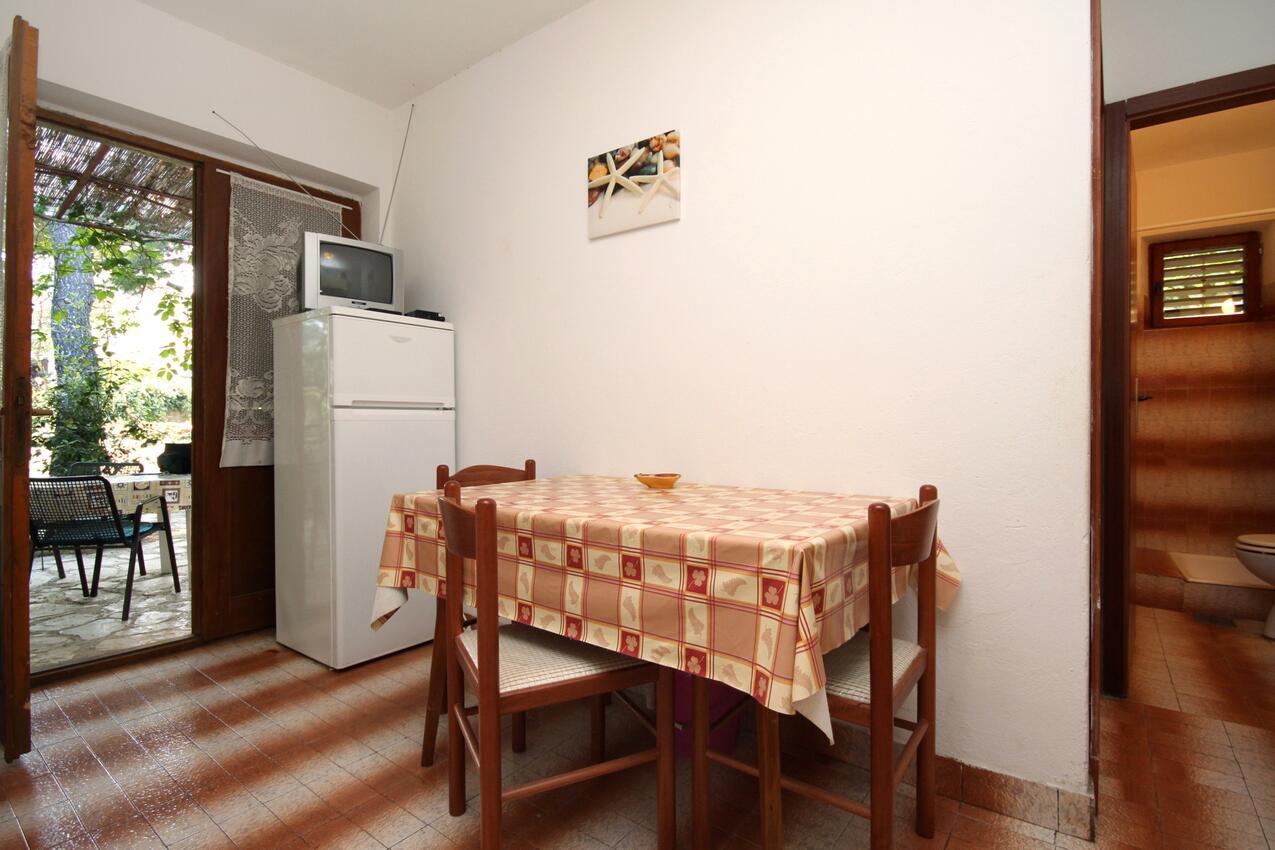 Ferienwohnung im Ort Mudri Dolac (Hvar), Kapazität 4+1 (1012639), Vrbanj, Insel Hvar, Dalmatien, Kroatien, Bild 2