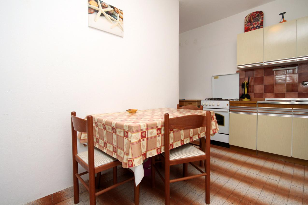 Ferienwohnung im Ort Mudri Dolac (Hvar), Kapazität 4+1 (1012639), Vrbanj, Insel Hvar, Dalmatien, Kroatien, Bild 3