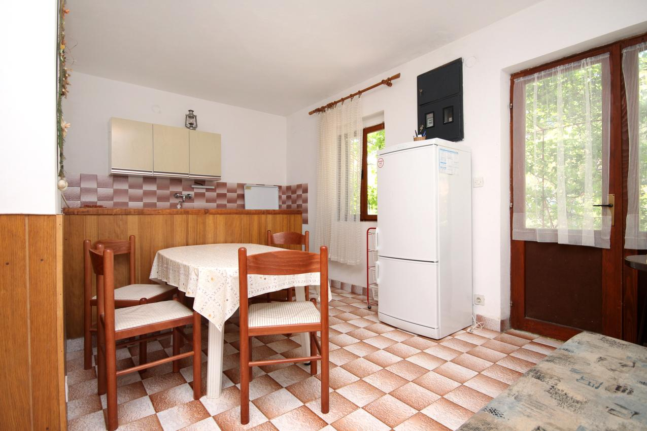Ferienwohnung im Ort Mudri Dolac (Hvar), Kapazität 2+2 (1012640), Vrbanj, Insel Hvar, Dalmatien, Kroatien, Bild 2