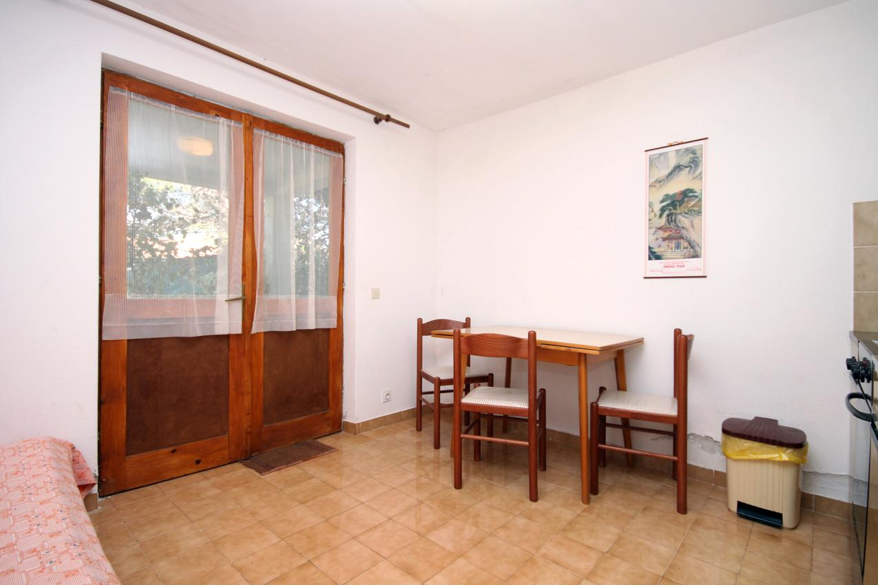 Ferienwohnung im Ort Mudri Dolac (Hvar), Kapazität 2+2 (1012641), Vrbanj, Insel Hvar, Dalmatien, Kroatien, Bild 2