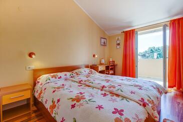 Nerezine, Спальня в размещении типа room, доступный кондиционер и WiFi.